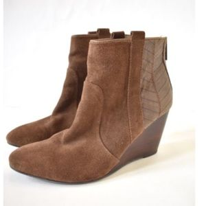 Dolce Vita Womens Brown Suede Booties Size 8